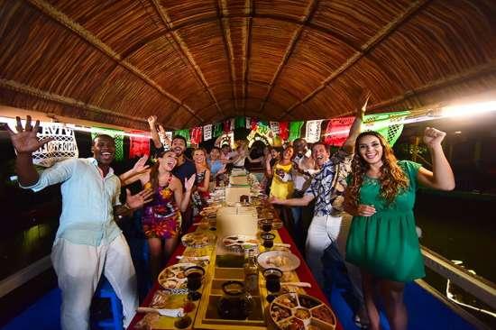 Xoximilco: Fiesta, Música y Folclor