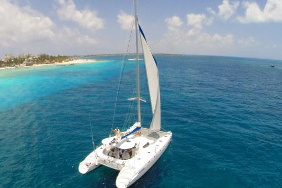 Isla Mujeres en Catamarán desde Playa del Carmen y Riviera maya